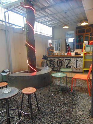Foto 3 - Interior di Kozi Coffee oleh Kuliner Addict Bandung