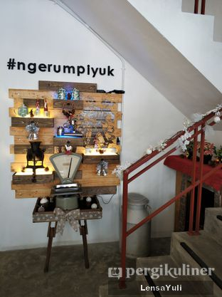 Foto 6 - Interior di Rumpi Katumiri oleh Yuli  Setyawan