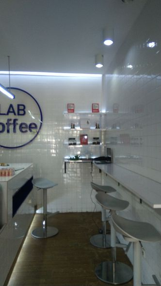 Foto Interior di Lab Coffee