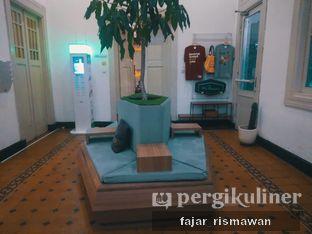Foto 4 - Interior di Work Coffee oleh Fajar | @tuanngopi