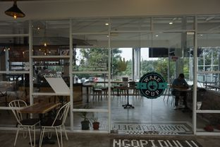 Foto 4 - Interior di Wake Cup Coffee oleh yudistira ishak abrar