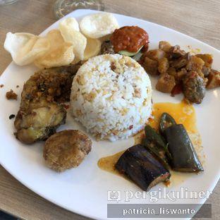 Foto 3 - Makanan(nasi tuk tuk sunda) di Eng's Resto oleh Patsyy