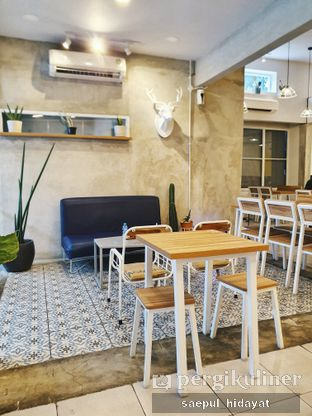 Foto 2 - Interior di OTW Food Street oleh Saepul Hidayat
