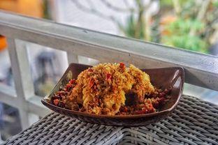 Foto 2 - Makanan(Cumi Lada Garam) di Akasya Teras oleh Fadhlur Rohman