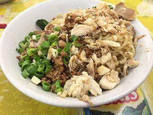 Foto - Makanan di Bakmi Lili oleh Nyok Makan
