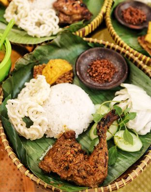 Foto 2 - Makanan(Ayam bakar sumatera) di Ayam Baper oleh Stellachubby
