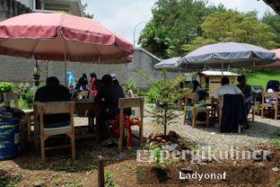 Foto 6 - Eksterior(sisi kanan outdoornya) di Waroeng Kopi Modjok (Warkop Modjok) oleh Ladyonaf @placetogoandeat