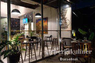Foto 7 - Interior di Kapyc Coffee & Roastery oleh Darsehsri Handayani