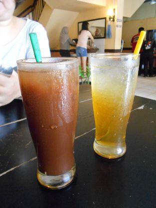 Foto 1 - Makanan di Waroeng SS oleh Olivia @foodsid