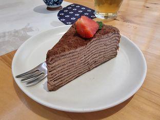 Foto 5 - Makanan(Chocolate mille crepe) di Furusato Izakaya oleh Vising Lie