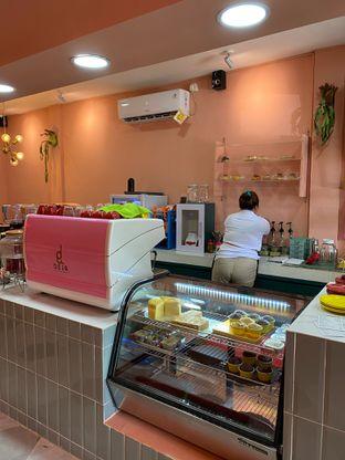 Foto 13 - Interior di Deja Coffee & Pastry oleh Jeljel