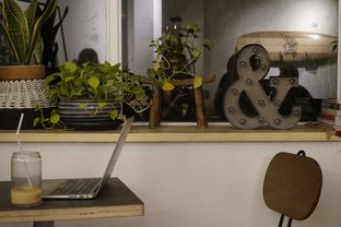 Foto 9 - Interior di 7 Speed Coffee oleh yudistira ishak abrar