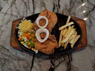 Foto 2 - Makanan di Steak Hut oleh Amrinayu