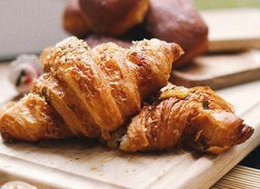 Intip Fakta Menarik dari Croissant yang Awalnya Dibuat Mirip Lambang Bendera Turki