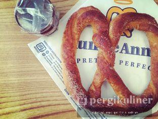 Foto 8 - Makanan di Auntie Anne's oleh @mamiclairedoyanmakan