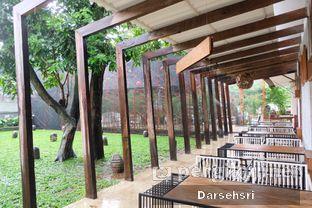 Foto 5 - Interior di Artivator Cafe oleh Darsehsri Handayani
