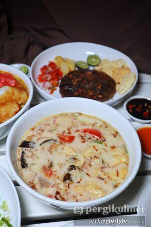 Foto 1 - Makanan di Soto Betawi Nyonya Afung oleh Fioo | @eatingforlyfe