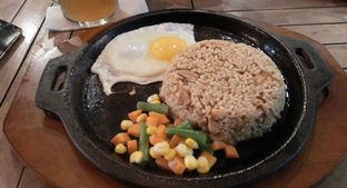 Foto 1 - Makanan(Shae Curry Fried Rice) di Shae Cafe and Eatery oleh dinaaraisa