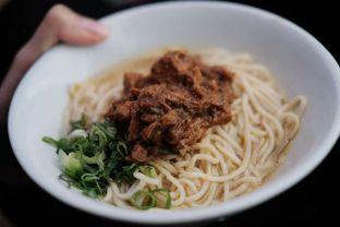 Foto 2 - Makanan di Bakso So'un & Mie Ayam TTD.47 oleh harizakbaralam