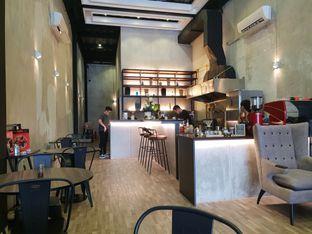 Foto 3 - Interior di Fe Cafe oleh Vising Lie
