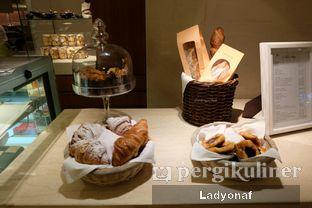 Foto 2 - Interior di Mandarin Oriental Cake Shop - Mandarin Oriental Hotel oleh Ladyonaf @placetogoandeat