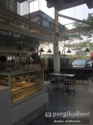 Foto 6 - Interior di JnF Coffee & Eatery oleh Kezia Nathania