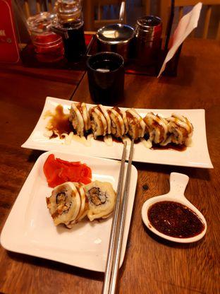 Foto - Makanan di Sushi Bar oleh Yustina Meranjasari