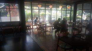 Foto 1 - Interior di Tanamera Coffee Roastery oleh Vising Lie