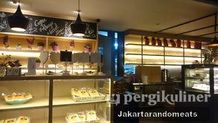 Foto 9 - Interior di Casadina Kitchen & Bakery oleh Jakartarandomeats