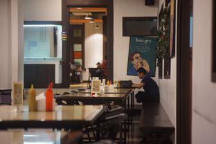Foto 4 - Interior di Jumbo Eatery oleh Fadhlur Rohman