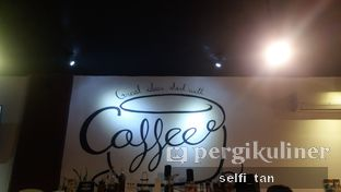 Foto 5 - Interior di Logika Coffee oleh Selfi Tan