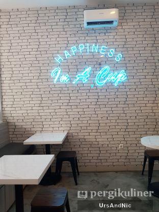 Foto 9 - Interior di Moco Moven Coffee oleh UrsAndNic