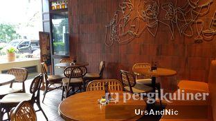 Foto 10 - Interior di FLYNN Dine & Bar oleh UrsAndNic