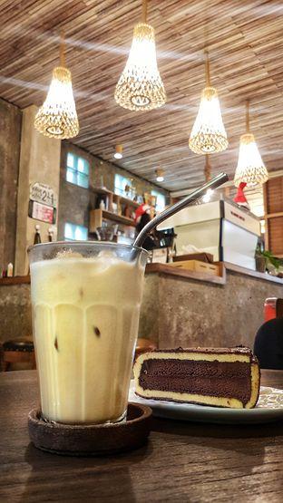Foto 2 - Makanan(EsKopSu Jiwan) di Jiwan Coffee & Things oleh Gembuli Tan