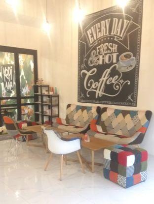 Foto 7 - Interior di Kopi Aah oleh Renodaneswara @caesarinodswr