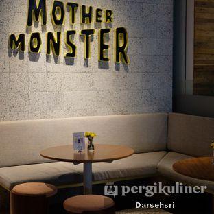 Foto review Mother Monster oleh Darsehsri Handayani 6