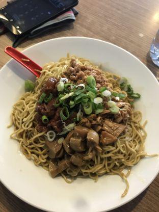 Foto 2 - Makanan di Bakmie Aloi oleh Kami  Suka Makan