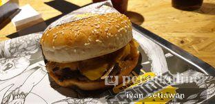 Foto 3 - Makanan di Lawless Burgerbar oleh Ivan Setiawan