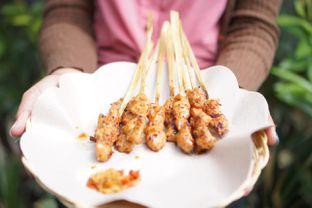 Foto 2 - Makanan(Sate Manis Jimbaran) di Warung Namu oleh @demialicious
