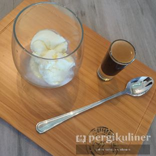 Foto 2 - Makanan(Affogato) di Coffeedential Roastery & Dessert oleh Yudith Kindangen