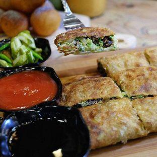 Foto review Martabak Bruno oleh Food Lovers  Id 1