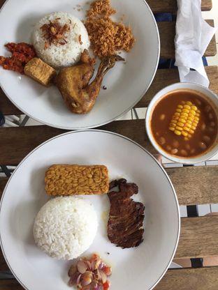 Foto - Makanan di Bistro Ayam Goreng Pemuda oleh Weka Putra