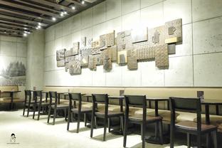 Foto 3 - Interior di Starbucks Reserve oleh Marisa Aryani