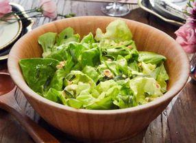 5 Sayuran yang Paling Sering Muncul Pada Sajian Salad