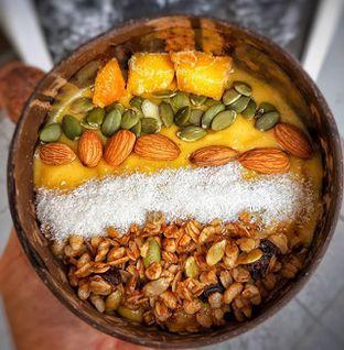 Foto 1 - Makanan(Mango Punch smoothies) di COCOBOWL oleh Daniel Wijaya