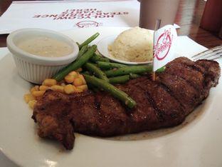 Foto 2 - Makanan di Holycow! STEAKHOUSE by Chef Afit oleh ochy  safira