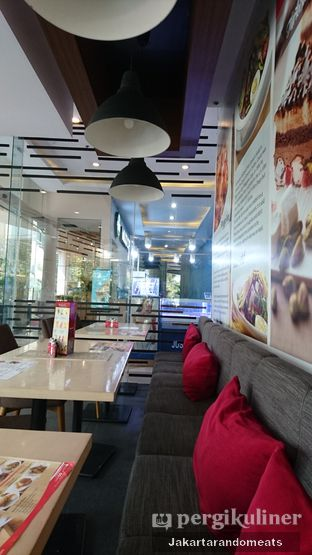 Foto 4 - Interior di Secret Recipe oleh Jakartarandomeats