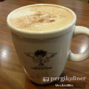 Foto 1 - Makanan(Cappucino) di Angel In Us Coffee oleh UrsAndNic