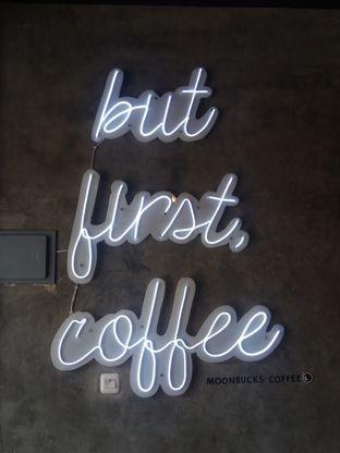 Foto 7 - Interior di Moonbucks Coffee oleh Chris Chan