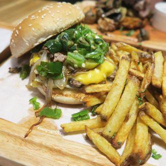 Foto Makanan di Habitual Quench & Feed
